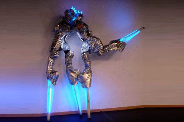 cybers_2_remue_menage_baquiast_costume_design
